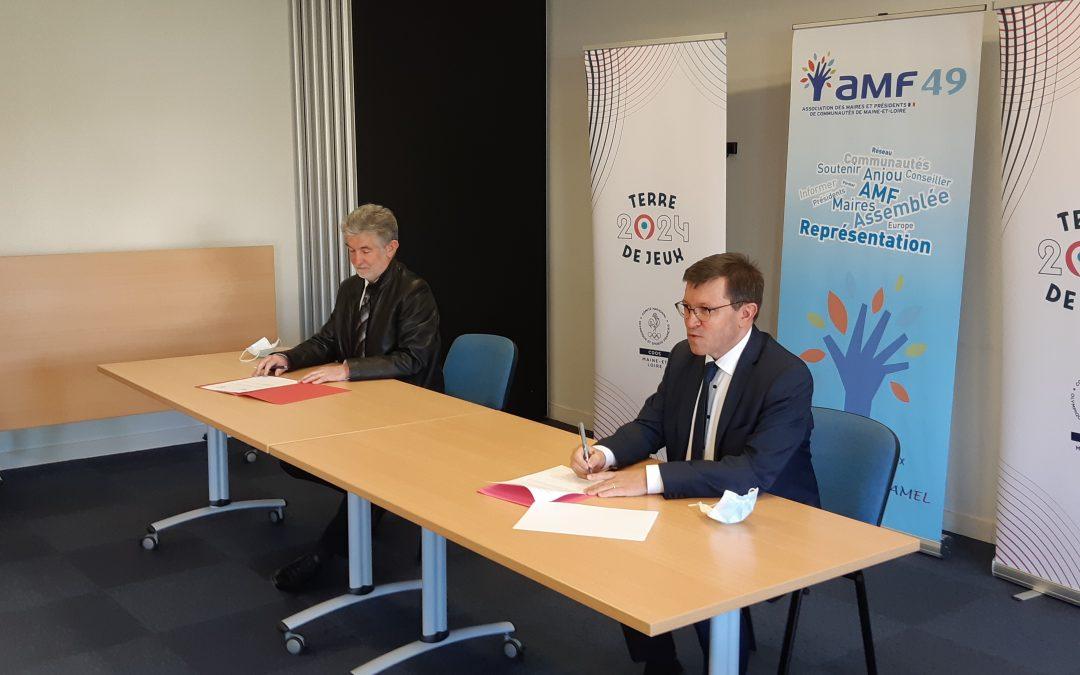 Conclusion d'un partenariat entre l'AMF49 et le CDOS49
